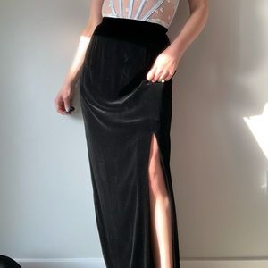 Vintage Black Velvet High Rise Midi Skirt M
